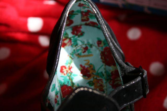 siren shoe lining