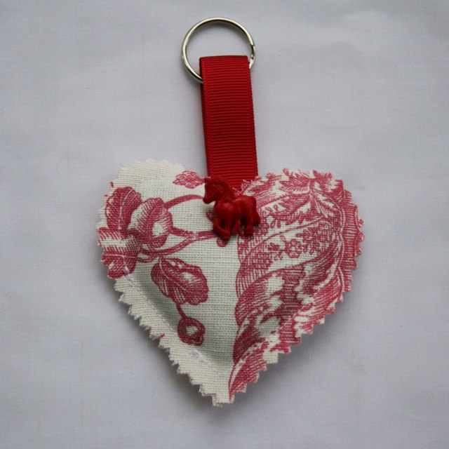 keyring lavender heart with pony button
