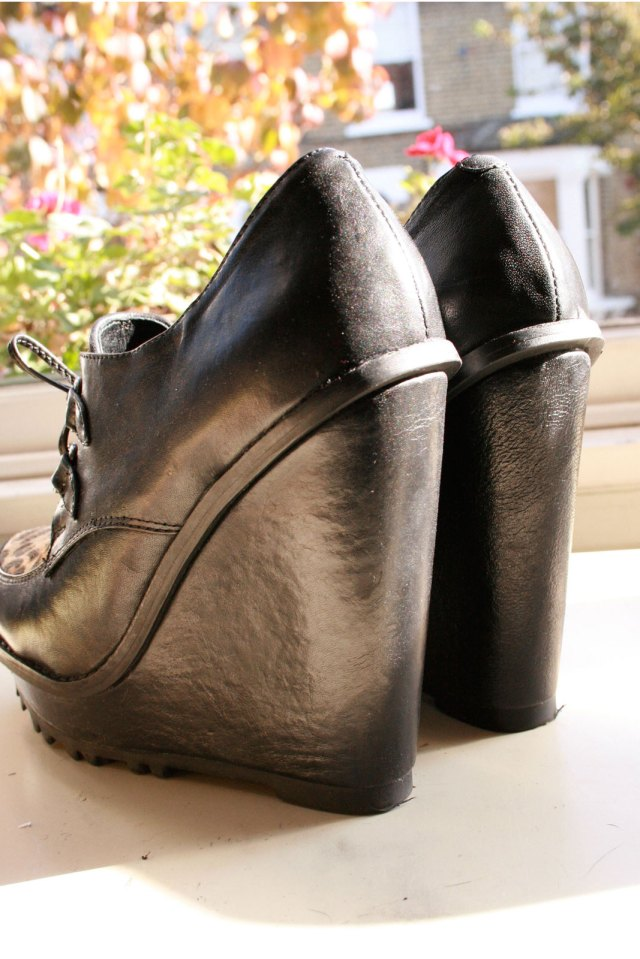 Roder leopard print shoes