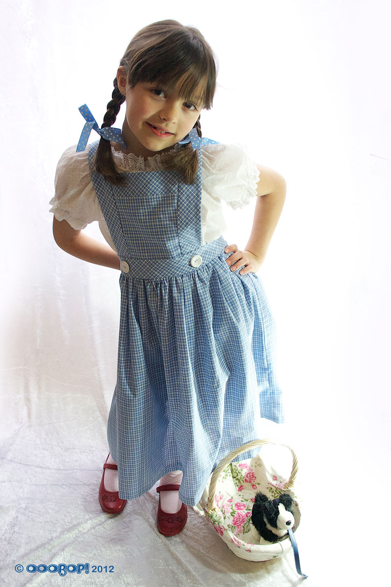 B4320 dorothy dress