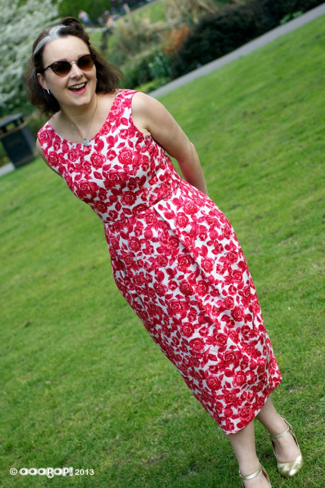 Elisalex in red roses dress